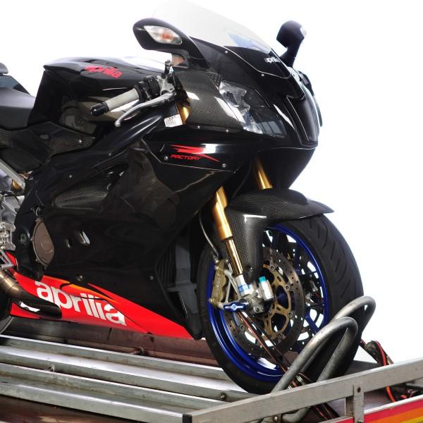 Motorrad in die Transportwippe schieben für einen sicheren Stand